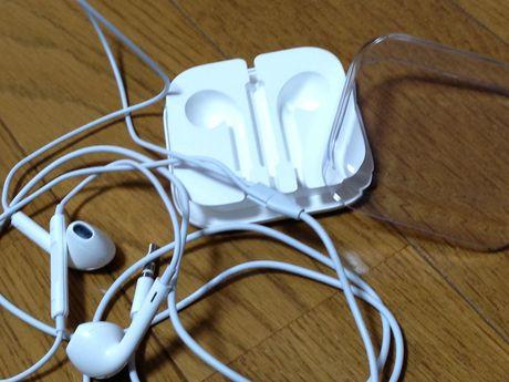 20121029_EarPods_02.jpg
